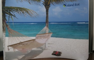 Island Foot 10ft Curved Display